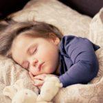 子どもが熱?機嫌が悪い?保育園に預けられる基準と対処法